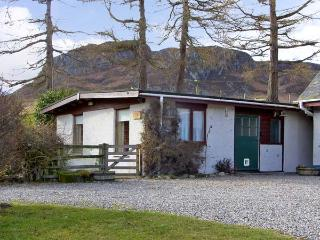 THE STABLE, pet friendly, country holiday cottage, with a garden in Laggan, Ref 5605 - Laggan vacation rentals