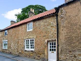 THE OLD DAIRY, pet friendly, character holiday cottage, with a garden in Gainford, Ref 9202 - County Durham vacation rentals