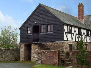 THE CIDER PRESS, romantic, character holiday cottage, with a garden in Brinsop, Ref 11624 - Herefordshire vacation rentals