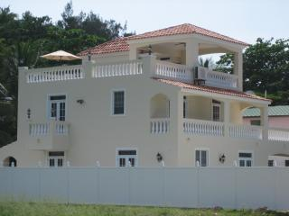 Villa Ocean Mist - Steps From Sandy Beach!! - Rincon vacation rentals
