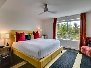 Carlyle 3 Bedroom on Ocean Drive - Miami Beach vacation rentals