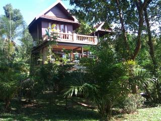 3-bed villa, sleeps 6+, spa pool, Koh Mak Thailand - Koh Mak vacation rentals
