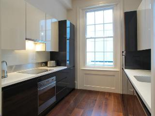 USD-2 Bdrm Luxury Flat, 2 Bath, Maddox St, Mayfair - London vacation rentals