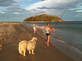 Castaway Units, waterfront, south coast Australia - Lake Tabourie vacation rentals