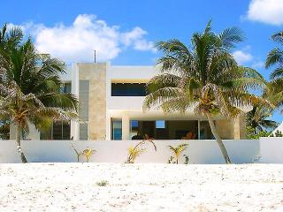 Casa Roccio's - Progreso vacation rentals