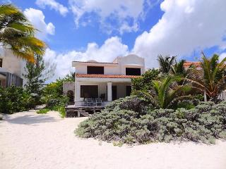 Casa Romi's - Progreso vacation rentals