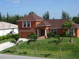 Villa Sunbeam- on Freshwatercanal in SW Cape Coral - Cape Coral vacation rentals