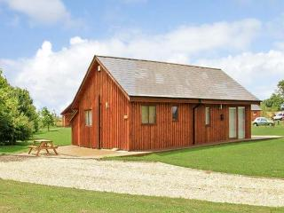 BIRKDALE LODGE, pet friendly, luxury holiday cottage, with hot tub in Thorpe-On-The-Hill, Ref 11177 - Lincolnshire vacation rentals