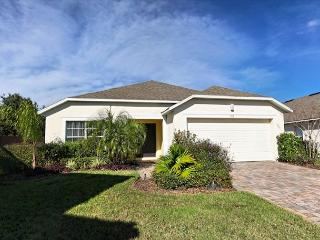 FANTASIA ONE: 4 Bedroom Home with Extra Pool and Spa Privacy - Davenport vacation rentals