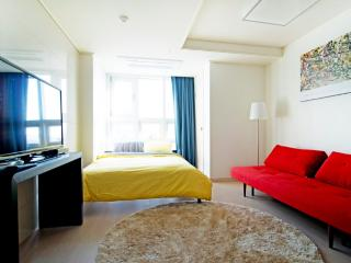 Hanliujuwu@ Chungmuro (10min walk from Myeongdong) - South Korea vacation rentals