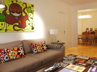 Funky 2 Bedroom Apartment in Recoleta - Buenos Aires vacation rentals