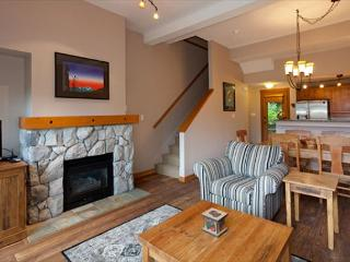Mountain Star #3 | 2 Bedroom + Den Townhome, Ski Access to Blackcomb, Hot Tub - Whistler vacation rentals