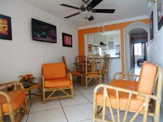 Santa Marta Rodadero Bay view Pool Steps to beach - Magdalena vacation rentals