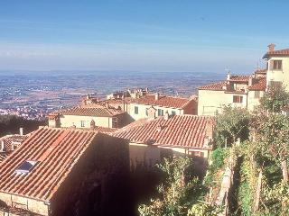 House in Cortona Tuscany with fantastic views - Tuscany vacation rentals