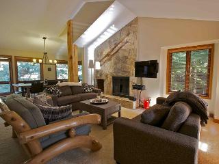 Ski-in, Ski-out luxury 3 bdrm + den, private hot tub - Whistler vacation rentals