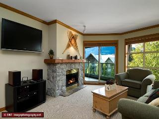 Aspens, prime ski-in, ski-out 1 bdrm with bright pool view& BBQ - Whistler vacation rentals