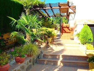 Charming Villa Romana,10´ drive to the citycenter - Granada vacation rentals