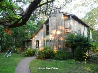 Southampton Charming Four Bedroom Lake House - Southampton vacation rentals