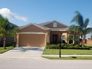 SHIRE RETREAT: 4 Bedroom Pool and Spa Home in Gated Community - Davenport vacation rentals