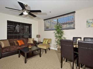 #113 - OCEANFRONT W/Pool Access - Walking distance to everything! - San Diego vacation rentals