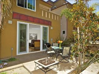 #733 - LUXURIOUS Retreat W/Private Patio! Steps to beach! - Mission Beach vacation rentals