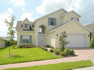 DREAM HOUSE: 4 Bedroom Pet Friendly Home with 2 Master Bedrooms - Davenport vacation rentals