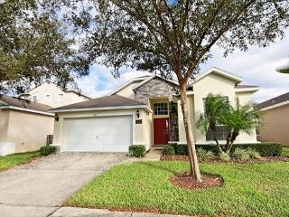 TYNLEE: 4 Bedroom Home with 2 Master Suites - Davenport vacation rentals