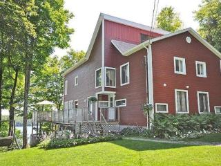 Les Terrasses Louisa Cottage - Quebec vacation rentals