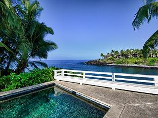 Overlooking a pristine bay along the Kona coast - Kailua-Kona vacation rentals
