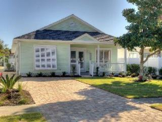 Fall dates avail, Great Rates Pvt Pool Pets SC - Destin vacation rentals