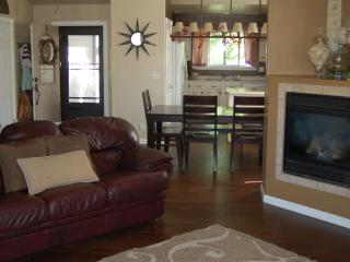 Beautiful 4 Bd Mountain Home 30 min. from Snowbowl - Flagstaff vacation rentals