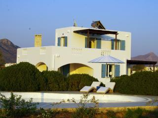 Villa Ble, a  spacious 4 bedroom  villa in Stavros - Crete vacation rentals