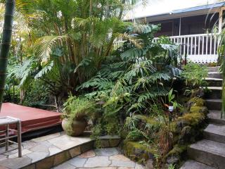 Beautiful  Private  Bungalow Hideaway - Kealakekua vacation rentals