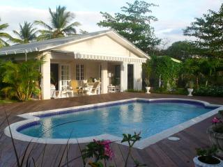 Luxury villa & private pool in Holetown, St James - Holetown vacation rentals