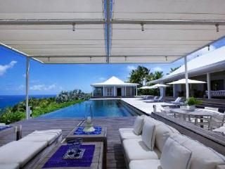 Luxurious Hill House, private terraces, gourmet kitchen and maid service - Camaruche vacation rentals