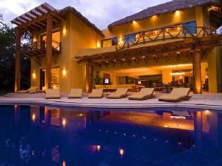 Villa Todo Bien - Beachfront estate with pool, beach activities & fantastic staff services - Punta de Mita vacation rentals