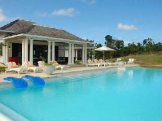 Sea Salt at Tryall offers magnificent grounds private chef and infinity pool - Jamaica vacation rentals