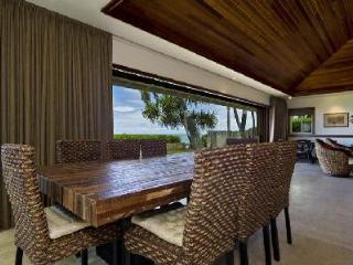 Oceanfront Diamond Head Tiki Estate - Enjoy Alfresco Dining with a Fabulous View - Oahu vacation rentals
