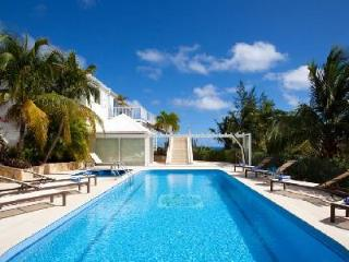 Luxurious Captain Cook Villa, king suites with private access, pool and spa - Pointe Milou vacation rentals