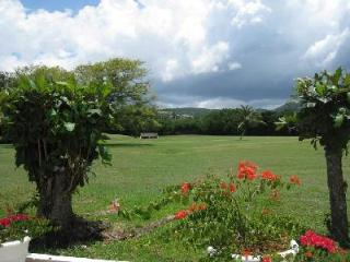 Bougainvillea at Tryall has private verandas with sea view, pool and housekeeper - Jamaica vacation rentals
