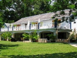 Luxurious Frankfort Villa has a private beach, sports facilities, and a chef - Ocho Rios vacation rentals