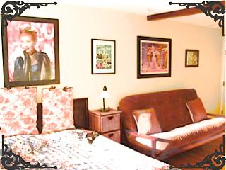 The Lucille Ball Hotel Apartment - Los Angeles vacation rentals