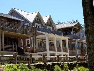 Nantucket House w-Cottage - OCEANFRONT - Southern Washington Coast vacation rentals