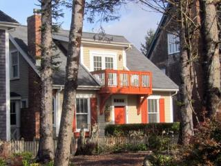 Coyote Cottage w/ Carriage House - Southern Washington Coast vacation rentals