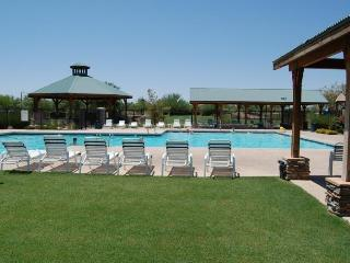 NEW Openings NOW w Heated Pools, Sunsets Pool Spa Tennis & Golf Com! - Queen Creek vacation rentals