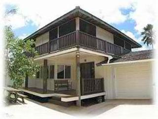 Sunset House - near Sunset Beach, w/ AC - Haleiwa vacation rentals