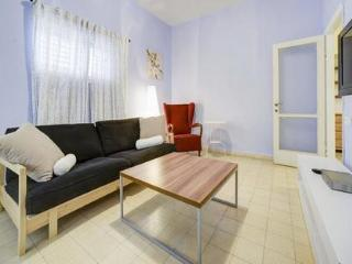 Prime Location Near The Beach! - Tel Aviv vacation rentals