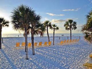 Beautiful Beach Cottage in high-rise water views - Siesta Key vacation rentals