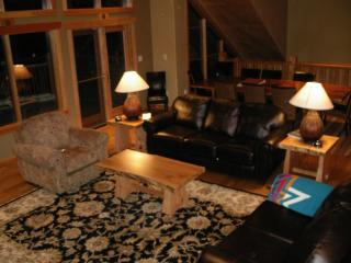 Luxurious Home in Exclusive Location near Gondola - Golden vacation rentals