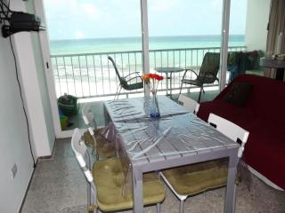 PUNTA CANCUN 1BR BEACHFRONT CONDO FALL ON SALE! - Cancun vacation rentals